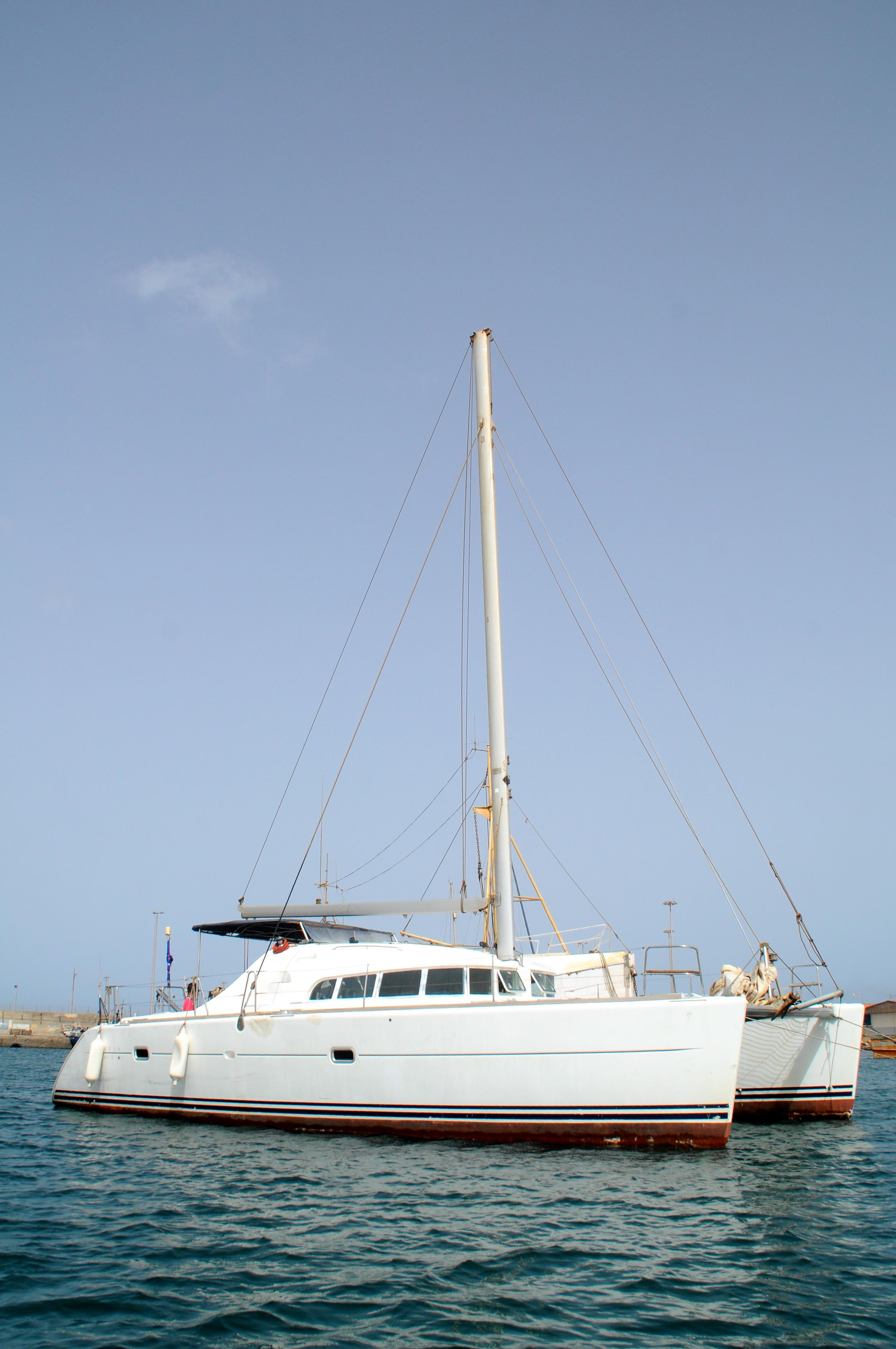 Catamaran Bazof