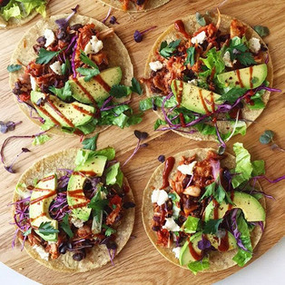 Spicy pulled jackfruit & black bean tacos