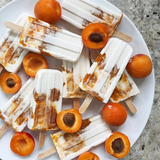Coconut, vanilla and roasted apricot chia jam popsicles