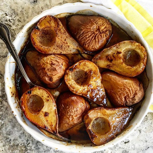 Maple, orange and vanilla baked pears