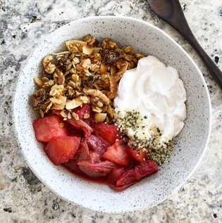 Lemon, fig & walnut granola