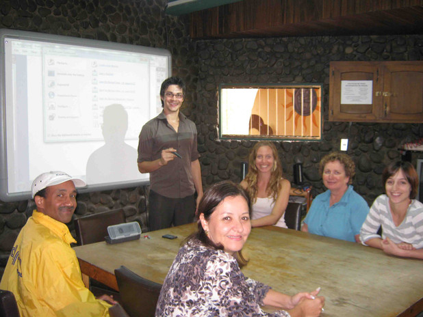 Spanish class at Intercultura with Jesus