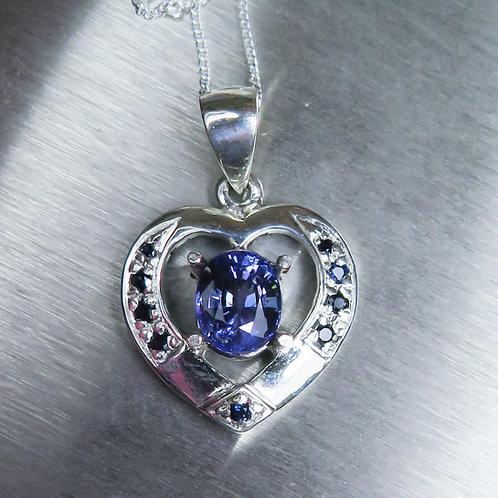 1.6ct Natural Tanzanite Silver / Gold / Platinum heart pendant