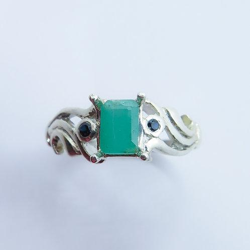 0.85ct Natural Emerald 925 Silver / Gold/ Platinum ring