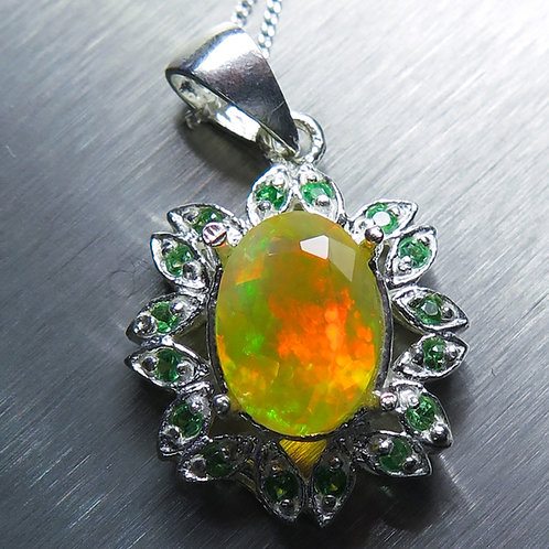 2.1cts Natural Welo Opal Silver / Gold / Platinum pendant on chain