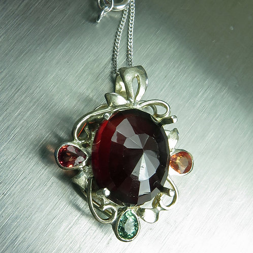 13cts Natural Hessonite garnet Silver / Gold / Platinum pendant