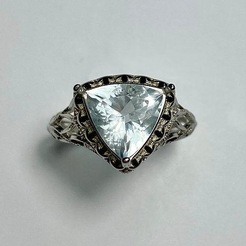 2.1ct Natural light blue aquamarine Silver/ Gold /Platinum ring