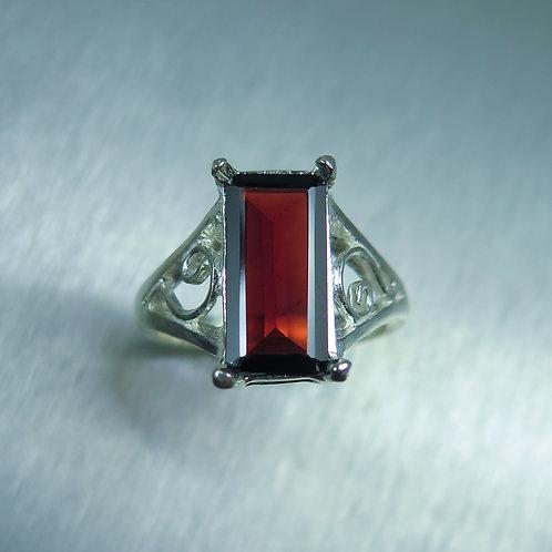 3.6ct Natural red Pyrope Garnet 925 Silver / Gold/ Platinum ring