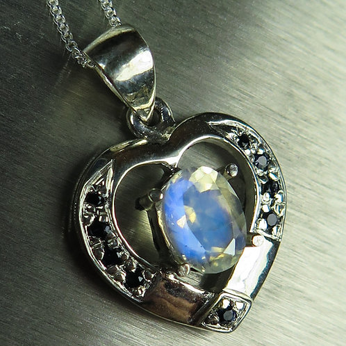 1.5ct Natural rainbow moonstone Silver / Gold / Platinum heart pendant