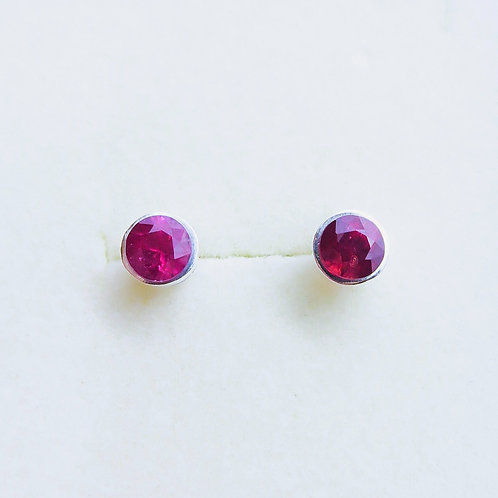 1.4ct Natural red ruby Silver /Gold bezel stud earrings