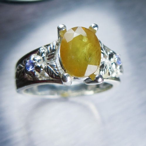 2.5ct Natural Yellow sapphire 925 Silver / Gold/ Platinum ring