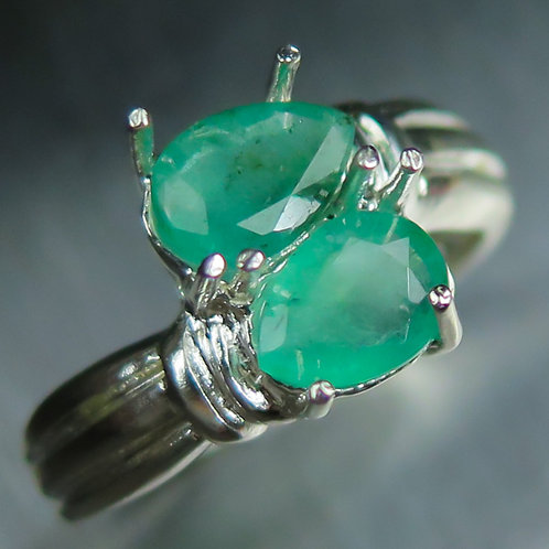 1.25ct Natural Emerald 925 Silver / Gold/ Platinum knot engagement ring