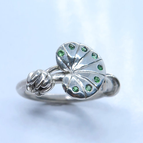 Water lily engagement ring Natural tsavorite garnet 925 Silver / Gold / Platinum