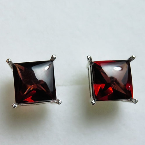 5.80cts Natural Pyrope Garnet Silver /Gold / Platinum stud earrings