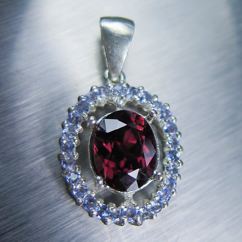 3.10ct Natural red zircon Silver / Gold / Platinum pendant on chain