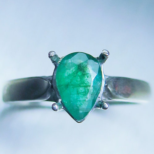 0.6ct Natural Colombian Emerald 925 Silver / Gold/ Platinum ring