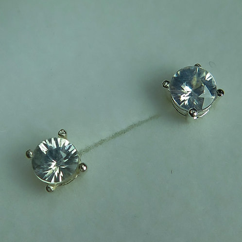 1.20cts Natural white Zircon Silver/ Gold/Platinum studs earrings