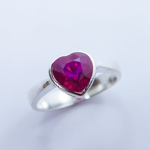 1.75cts Natural Ruby red heart Silver/ Gold / Platinum ring