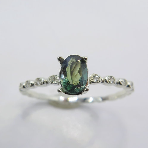 0.61ct Natural colour change Alexandrite 925 Silver / Gold/ Platinum ring