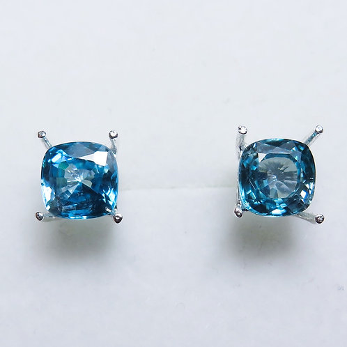 3.9cts Natural Paraibablue Zircon Silver /Gold stud earrings