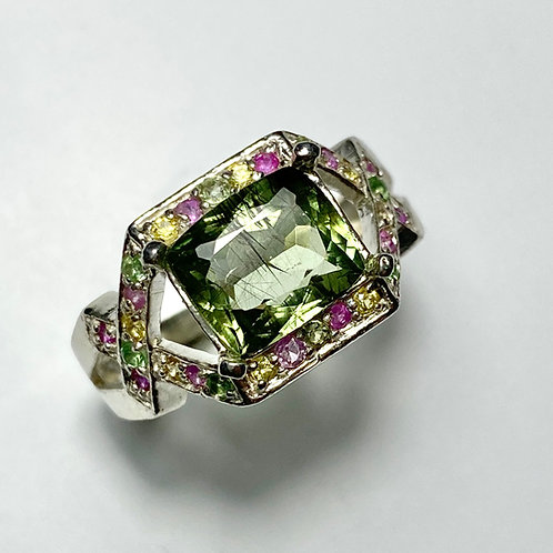 2.85ct Natural Peridot with rutile 925 Silver / Gold/ Platinum ring