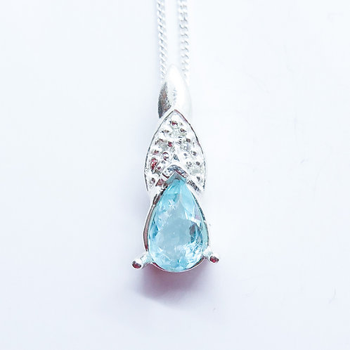 Natural paraiba blue Tourmaline Silver / Gold / Platinum pendant on chai