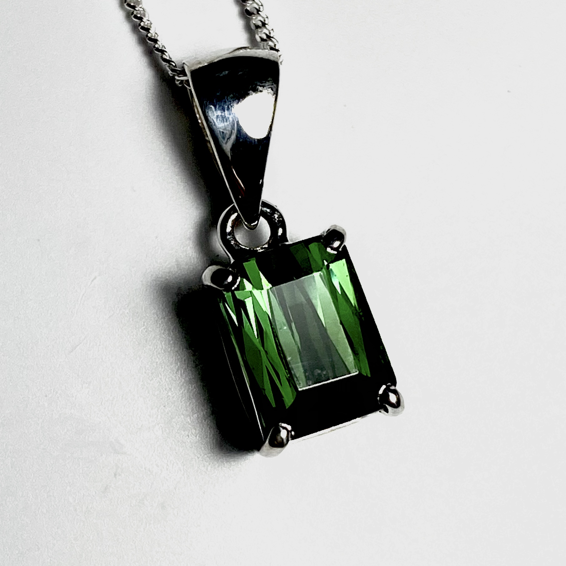 Chrome tourmaline pendant