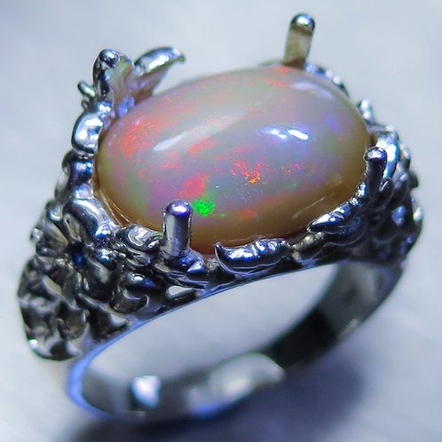 3.25ct Natural Welo Opal 925 Silver / Gold/ Platinum ring