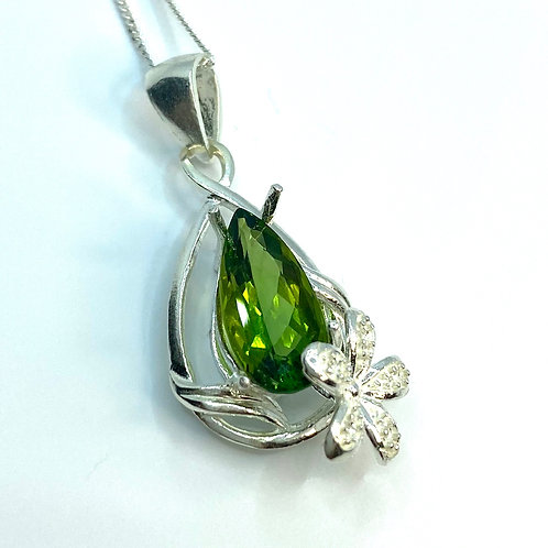 2.5ct Natural Grass Green Tourmaline Silver / Gold / Platinum pendant chain