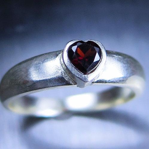 Natural Burgundy red Garnet heart 925 Silver/ Gold/ Platinum ring