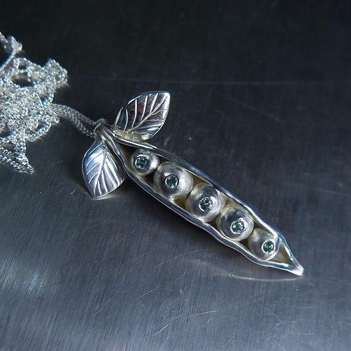 Natural Alexandrite, colour change Silver / Gold / Platinum pendant