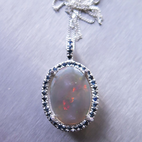 2.25ct Natural Australian Jelly Opal Silver / Gold / Platinum pendant on