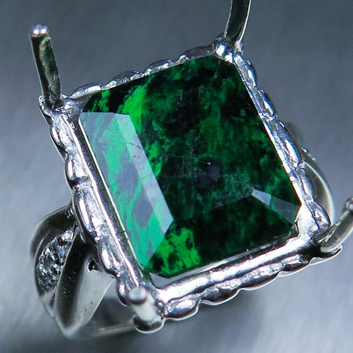 8.65ct Natural Green Maw sit-sit 925 Silver / Gold/ Platinum ring