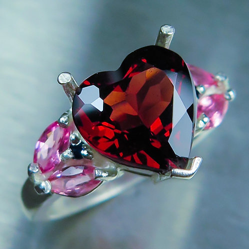 4.2ct Natural bright red PyropeGarnet 925 Silver / Gold/ Platinum ring