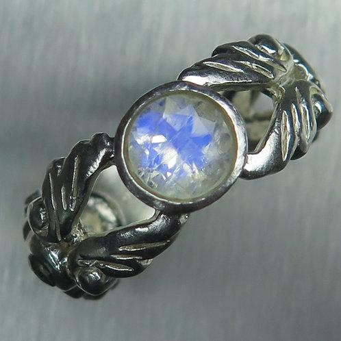 Natural Rainbow Moonstone 925 Silver / Gold/ Platinum ring