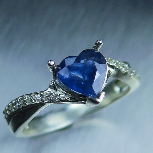 0.7ct Natural blue heart Sapphire 925 Silver / Gold/ Platinum ring
