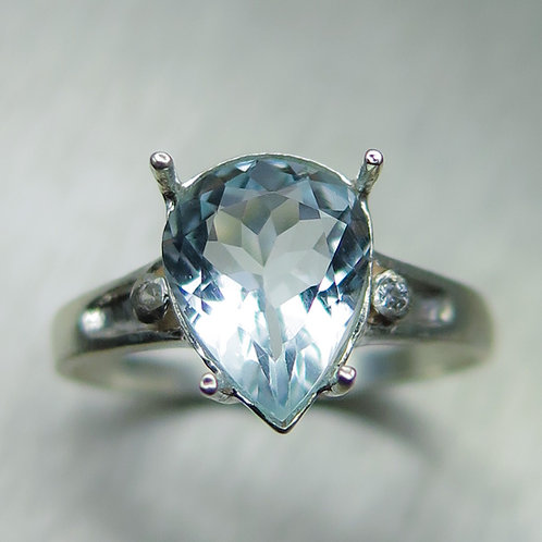 1.7cts Natural light blue aquamarine Silver/ Gold /Platinum ring