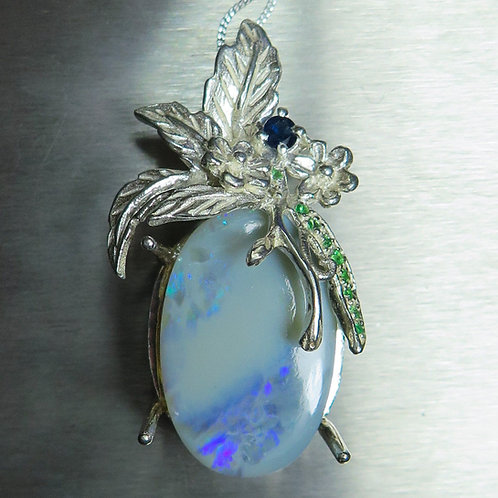 15.4ct Natural Australian white opal Silver / Gold / Platinum pendant on chain