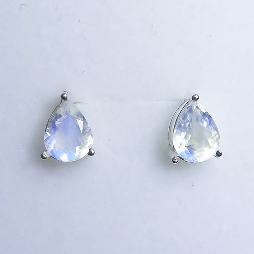 2.7ct Natural Rainbow Moonstone Silver /Gold stud earrings