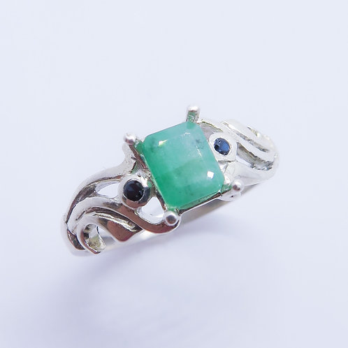 0.9ct Natural Emerald 925 Silver / Gold/ Platinum ring