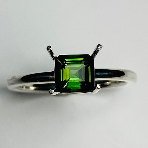 Natural Chrome Green tourmaline 925 Silver / Gold/ solitaire ring