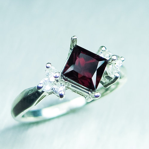 Natural Red Zircon 925 Silver / Gold/ Platinum ring