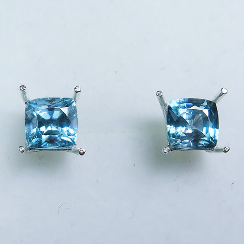 3.3cts Natural Paraiba blue Zircon Silver /Gold stud earrings
