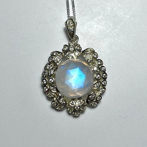6.15ct Natural rainbow moonstone Silver / Gold / Platinum heart pendant