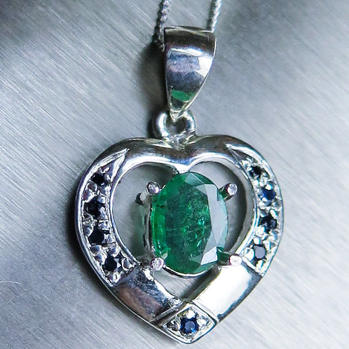 0.7ct Natural Colombian Emerald Silver / Gold / Platinum heart pendant