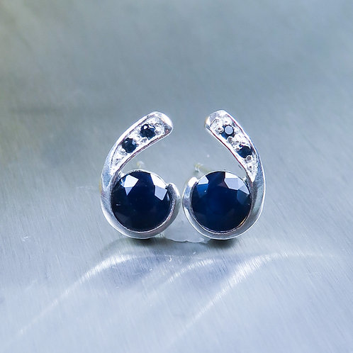 Natural Dark Blue Sapphire Silver /Gold / Platinum stud earrings