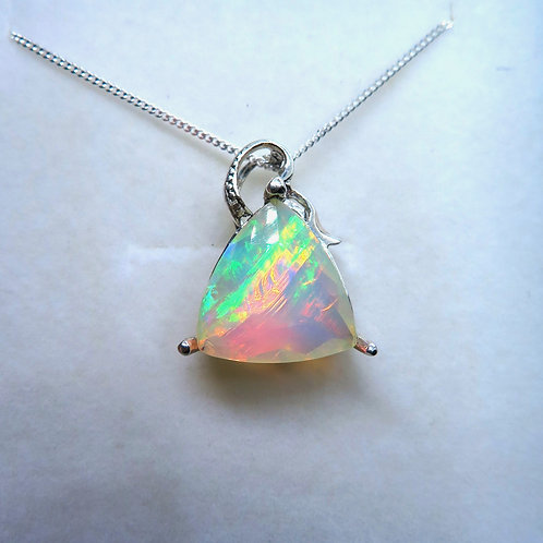 Natural Rainbow White Welo Opal Silver / Gold / Platinum pendant