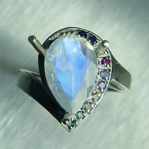2.4cts Natural Rainbow Moonstone 925 Silver / Gold/ Platinum ring