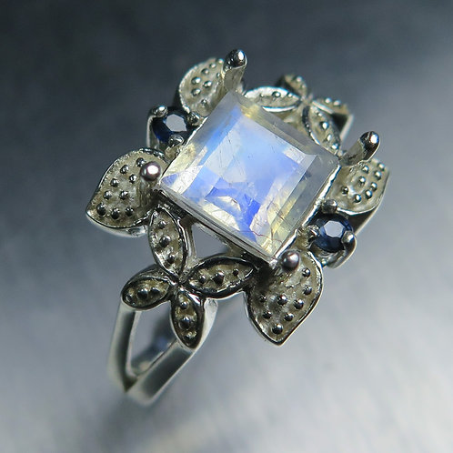1.55ct Natural Rainbow Moonstone 925 Silver / Gold/ Platinum ring