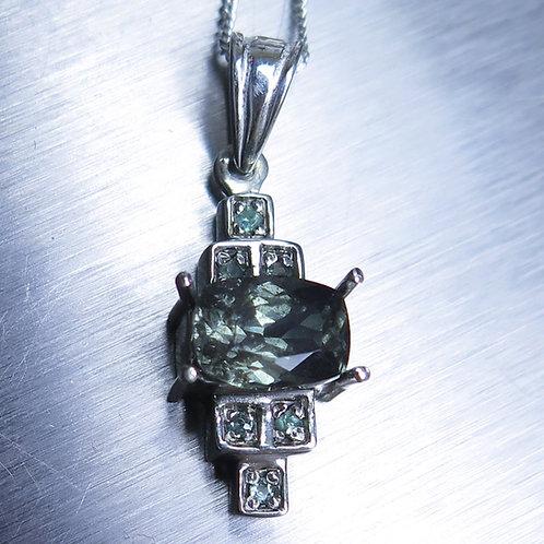 1.85ct Natural colour change Blue green Garnet Silver / Gold / Platinum pendant